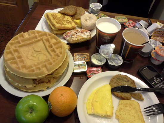 Country Inn & Suites By Carlson, Rochester-Brighton: fraction of the breakfast options