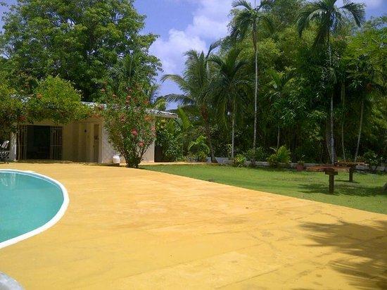San San Tropez Villa-Hotel: beautiful surroundings