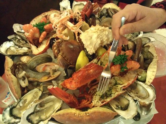 Boulogne-Billancourt, France: cold platter of seafood for two person enough to serve 3-4 persons