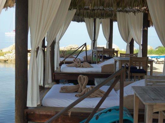 Sandals Negril Beach Resort & Spa: Cabanas.