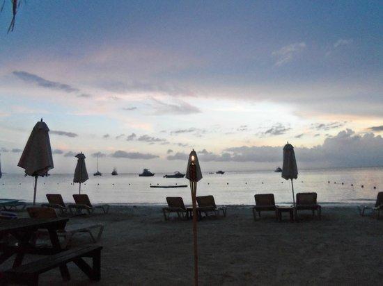 Sandals Negril Beach Resort & Spa: Beautiful evening sky.