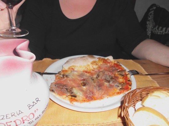 Da Pedro: Pizza Monte Baldo - sehr lecker - molto bene!