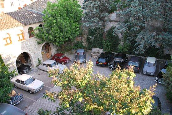 Sphinx Hotel : Parking