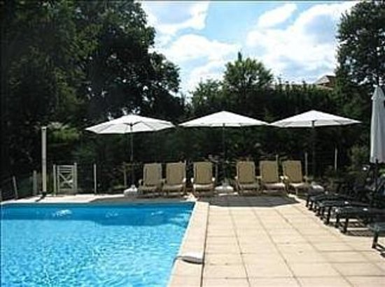 Les Vues Gites: Verwarmd zwembad - Villa Les Vues - La Genebre, Hautefort Dordogne