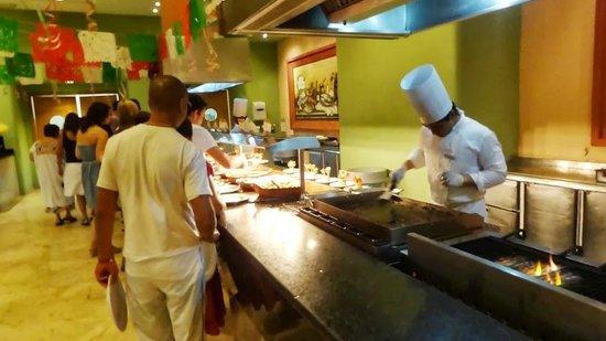 Barcelo Maya Colonial: Buffet