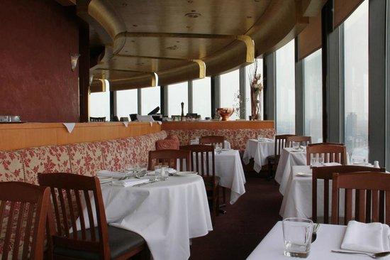Dinning room fotograf a de toula restaurant toronto for 1 harbour square 38th floor toronto on m5j 1a6