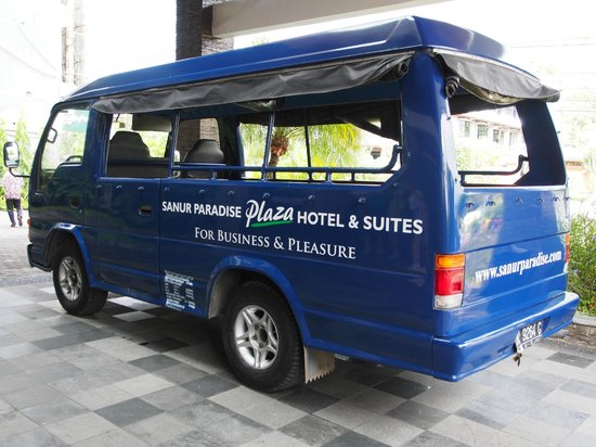 Sanur Paradise Plaza Suites: The open air shuttle bus
