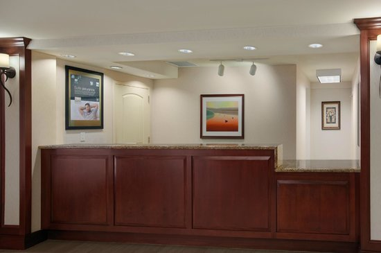 Homewood Suites Wallingford-Meriden: Front Desk