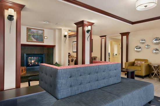 Homewood Suites Wallingford-Meriden: Lobby