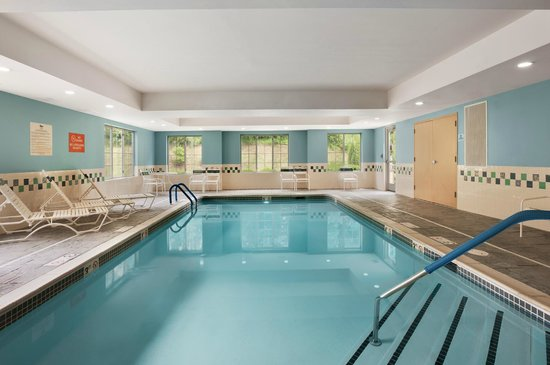 Homewood Suites Wallingford-Meriden: Indoor Pool
