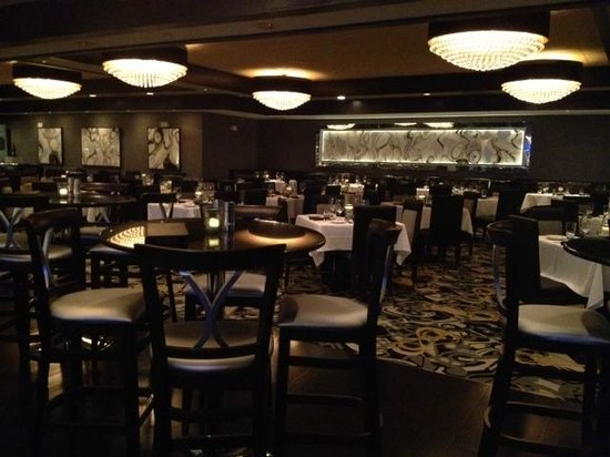 "Morton's The Steakhouse: The ""new"" Morton's"