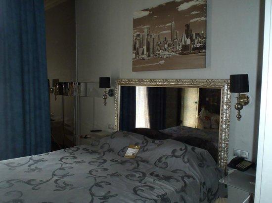 Andromeda Thessaloniki: New york room
