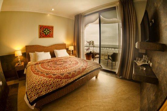 Dharma Beach: Bed room-Suite