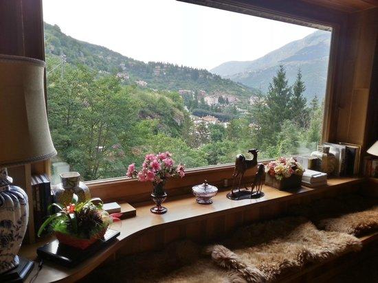 Panorama dal soggiorno - Picture of Le Rocce di Scanno - B&B di ...
