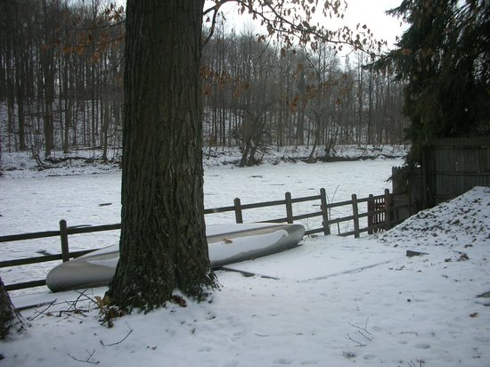 A B&B at The Edward Harris House Inn: View of the river in winter