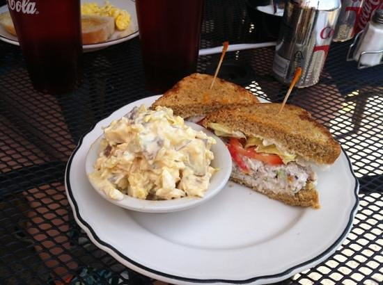 Fall River Bakery : Excellent chicken salad and potato salad