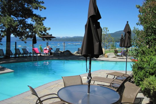 Red Wolf Lakeside Lodge: RW pool
