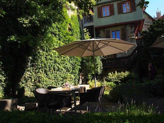 Hotel Herrnschloesschen: view of hotel from garden