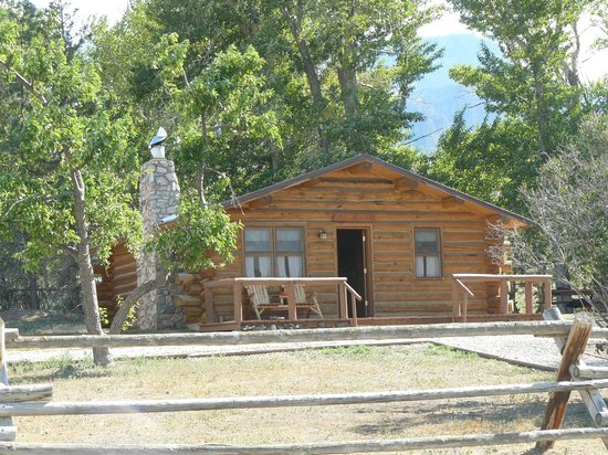 Rand Creek Ranch: front view of cabin 1