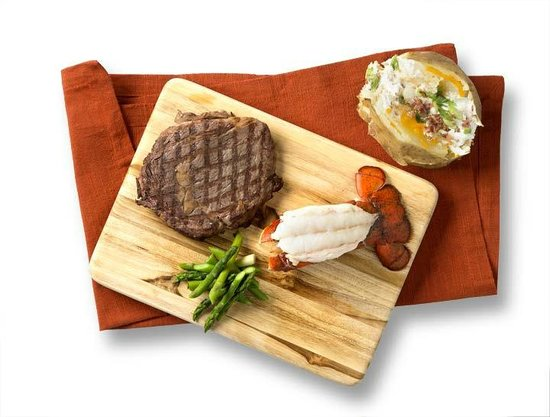 Houlihan's : Prime Top Sirloin and Lobster Tail