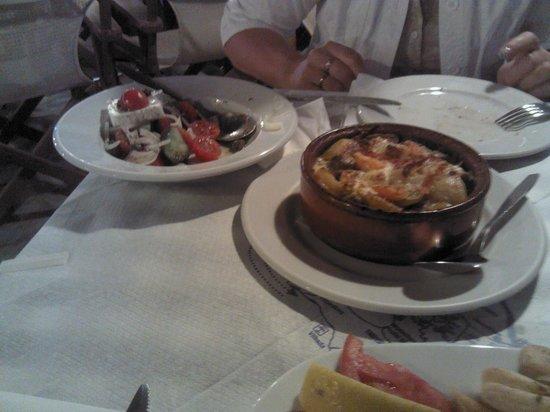 Irinis Taverna: баранина с овощами