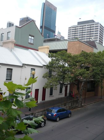 Rendezvous Hotel Sydney The Rocks : Street view from the terrace