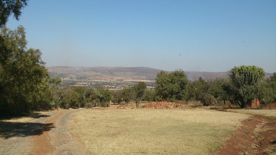 Magalies Mountain Lodge: the morning view