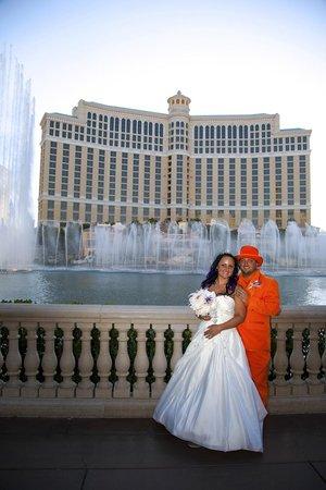 Scenic Las Vegas Weddings Chapel Bellagio Wedding