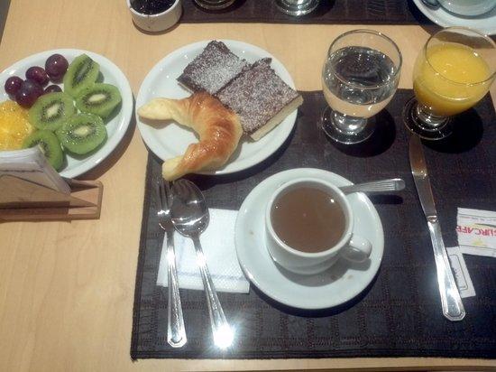 Alt Interlaken Hotel: Desayuno