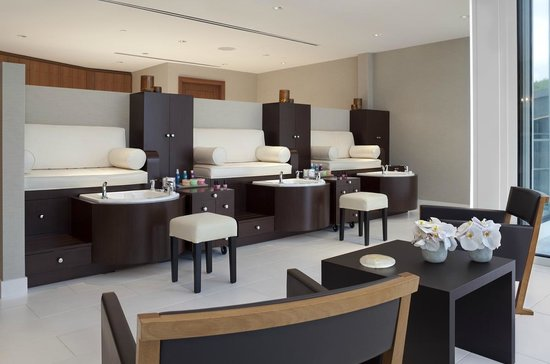 Willow Stream Spa at Fairmont Pacific Rim : Nail Salon