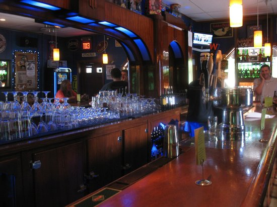Aurants: Cool old time bar is small and often busy