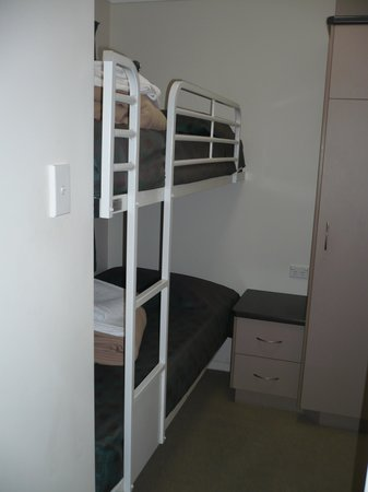 Brisbane Gateway Resort: Double-decker bunk bedroom