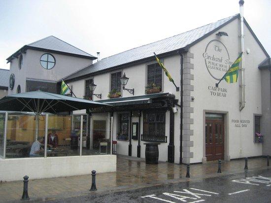 Orchard Inn Letterkenny: Exterior