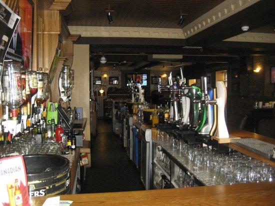 Orchard Inn Letterkenny: Behind the bar