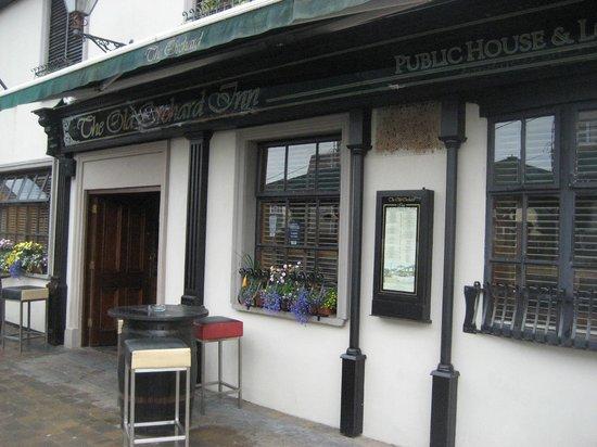 Orchard Inn Letterkenny: Front Entrance