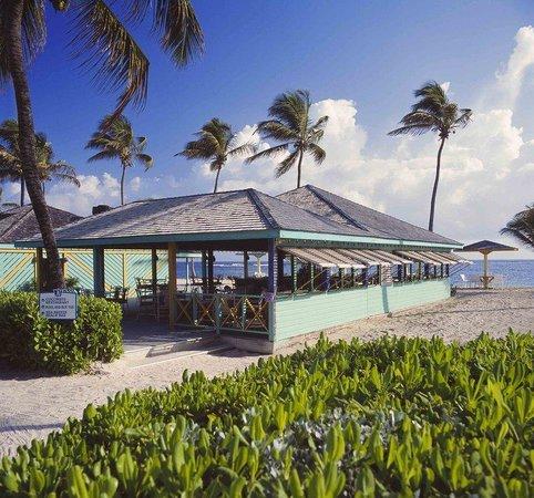 Nisbet Plantation Beach Club: Coconut Restaurant - Bar