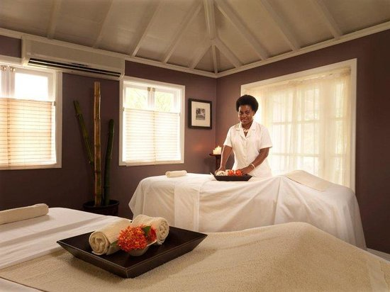 Nisbet Plantation Beach Club: The Palms Spa with Staff