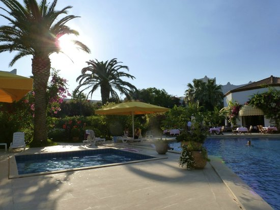 Hotel Karia Princess: Another pool view