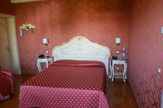 Villa Dolcetti : номер