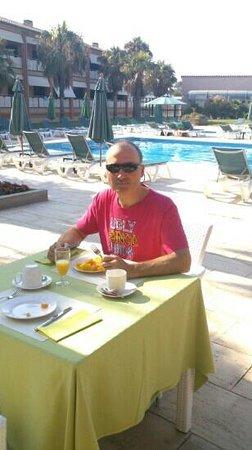 Hotel Clipper & Villas: Breakfast at Clipper Hotel and Villas. lovely...