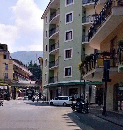 Hotel Tourist : Hotel bem localizado