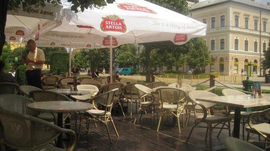 Belgian Restaurant : outdoor seating