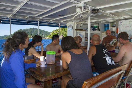 Sea Dragon Dive Center: Dive briefing