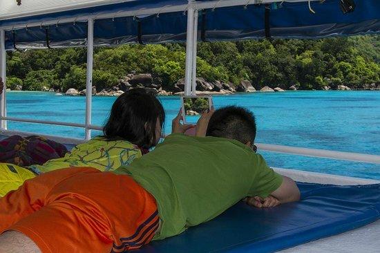 Sea Dragon Dive Center: Lounging
