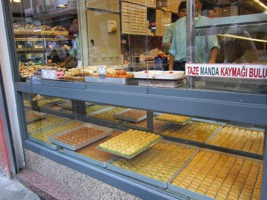 May Hotel Istanbul: negozio di baklava