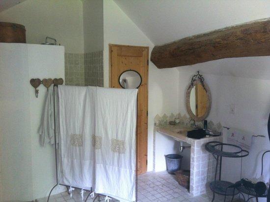 La Grange a Nicolas : Bathroom in the suite.
