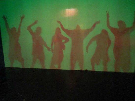 Museo de los Ninos: glow in the dark shadows
