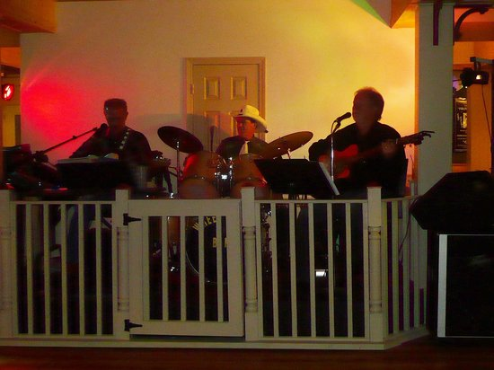Wheelhouse Restaurant Catfish and Wings: The Band