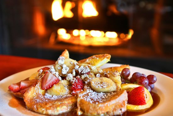 The Fireside Restaurant : Breakfast by the Fire