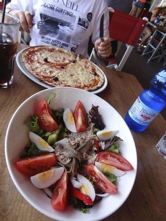 La Paninoteca: Salade Nicoise